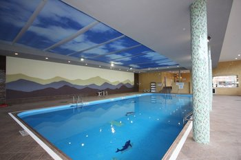 Indoor Pool at Honor's Haven Resort & Spa