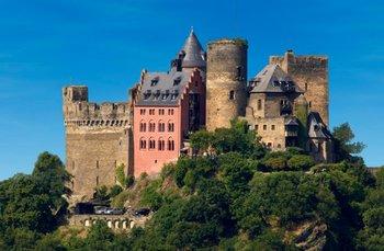 Exterior view of Castle Hotel Restaurant Auf Schoenburg.