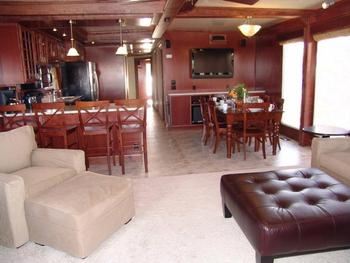 The 75' Platinum houseboat interior at Antelope Point.