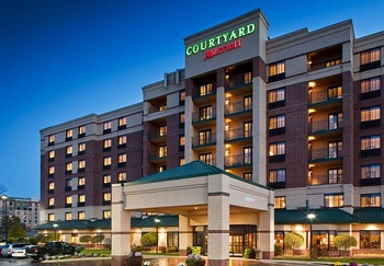 Exterior view of Courtyard Minneapolis Bloomington.