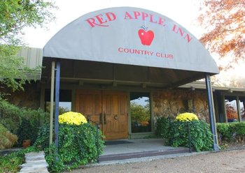 Entry to Inn at Red Apple Inn & Country Club.