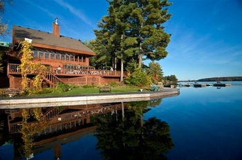 Welcome to Westwind Inn on the Lake