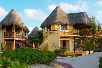 Exterior view of Shangri-La Caribe.