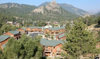 Exterior view of Fall River Village Resort Condos.