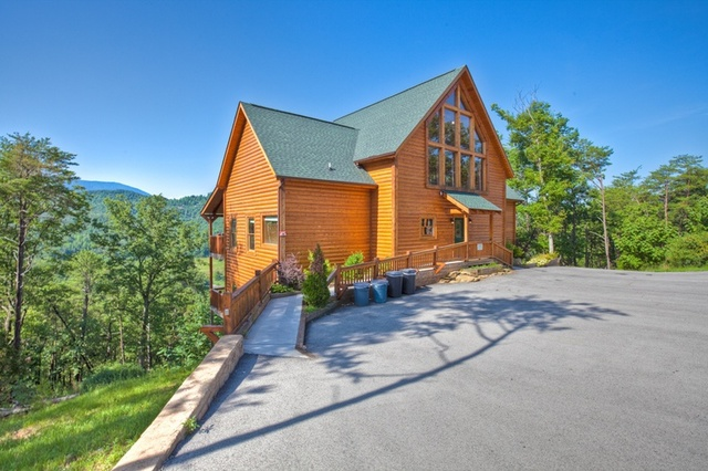 The cabin rental store gatlinburg tn resort reviews for Premier smoky mountain cabin rentals