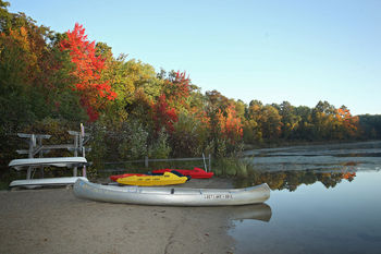 Canoeing at Lost Lake Lodge.