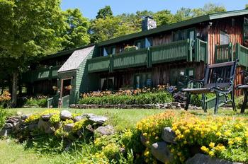 Exterior view of Black Bear Inn.
