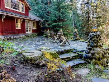 Vacation rental patio at Vacasa Rentals Mt Hood.