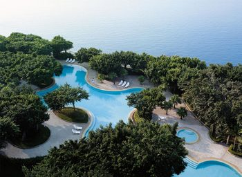 Outdoor pool at Shangri-La Hotel-Beihai.