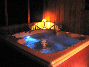Hot Tub at Can-U-Canoe Riverview Cabins