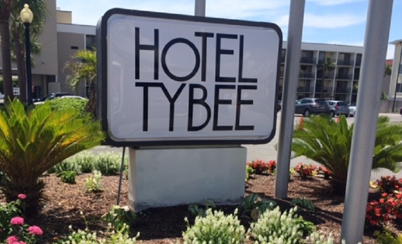 Exterior View of Hotel Tybee