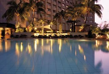 Outdoor pool at Makati Shangri-La.