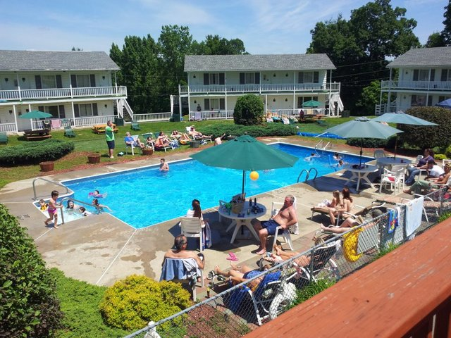 Outdoor pool at Gavin's Irish Country Inn