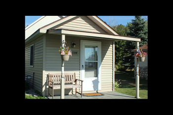Exterior view of Lake Leelanau Vacation Rentals & Guide.