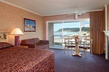 King Suite at Hallmark Resort in Cannon Beach