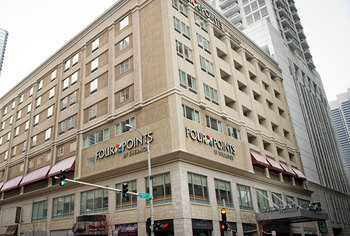 Exterior view of Four Points by Sheraton Chicago Downtown/Magnificent Mile.