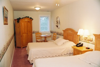 Double guestroom at Heartland Spa & Fitness Resort.