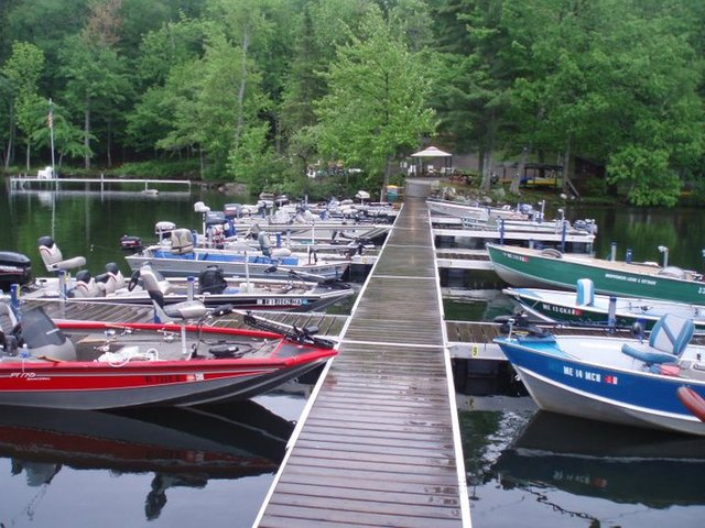 Whisperwood lodge and cottages belgrade me resort for Fishing resorts near me