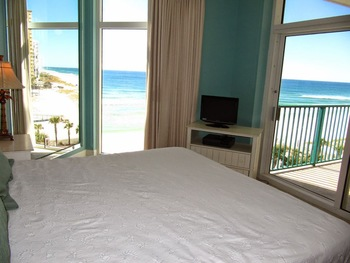 Rental bedroom at Newman-Dailey Resort Properties, Inc.