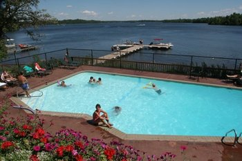 Outdoor Pool at Ruttger's Bay Lake Lodge
