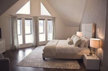 Guest bedroom at Grande Rockies Resort.