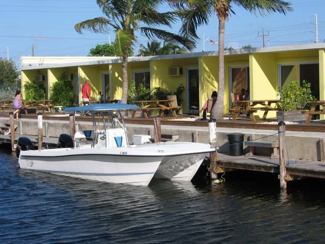 Our dockside rooms provide you with 25 feet of dockage right behind your boat.