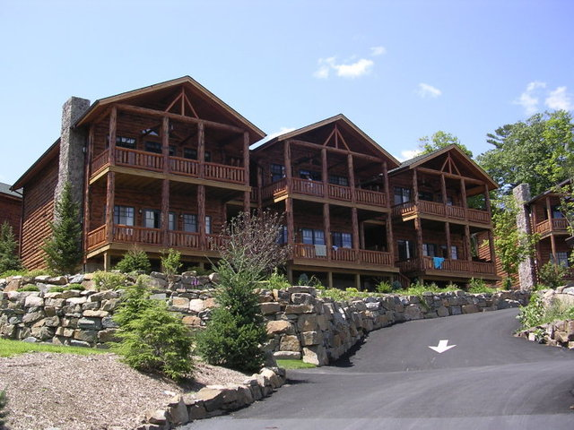 Townhouse lodges at The Lodges at Cresthaven on Lake George.