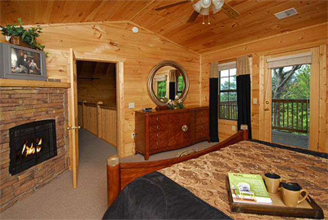 Sevierville vacation rentals cabin crown jewel a for Timber tops cabins gatlinburg