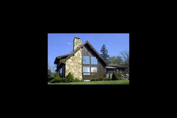 Lodge exterior at Cedar Valley Lodge.