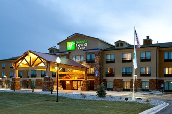 Exterior view of Holiday Inn Express & Suites Lander.