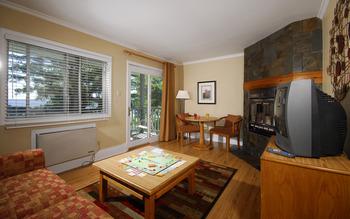 Cottage living room at Bayview Wildwood Resort.