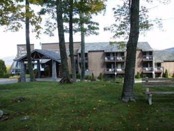 Exterior view of Cascades Lodge.