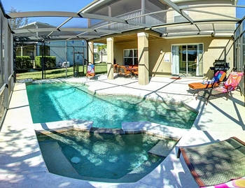 Vacation rental pool at Tropical Escape Vacation Homes.
