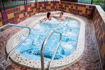 Hot tub at Evergreen Resort.