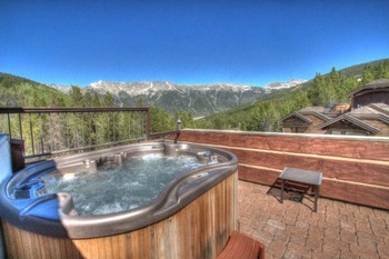 Vacation rental private hot tub at SkyRun Vacation Rentals - Copper Mountain.