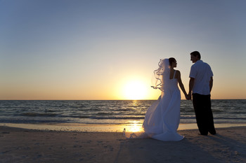 Beach wedding at Hotel Icona.