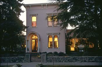 Exterior view of Camellia Inn.