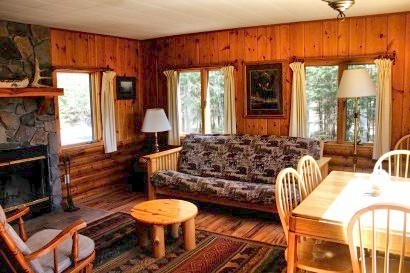 Cabin living room at Bearskin Lodge.