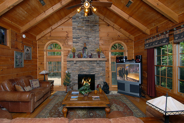 Sevierville Vacation Rentals Cabin Above Gatlinburg 4 Bedroom 3 5 Bath Premier Sleeps 14
