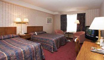 Guest Room at Travelodge Niagara Falls Bonaventure