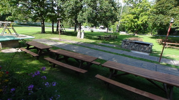 Picnic tables at Crystal Brook Resort.