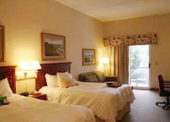 Guest room at Hampton Inn & Suites Outer Banks/Corolla.