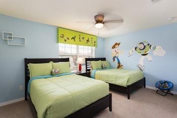 Rental bedroom room at Orlando Luxury Escapes Vacation Rentals.