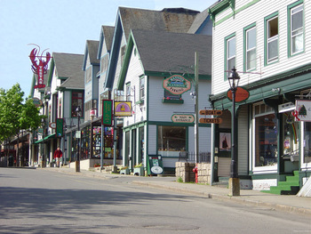 Bar Harbor shopping near Aurora Inn & Motel.