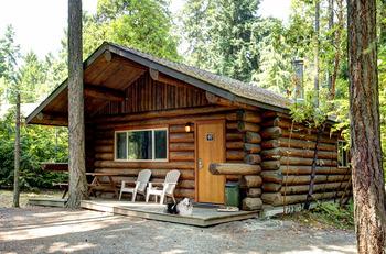 Cabin exterior at Tigh-Na-Mara Resort.