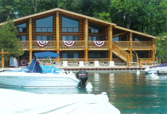 Exterior cabin view of Glen Craft Marina.
