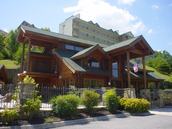 Exterior view of Golfview Vacation Rentals.