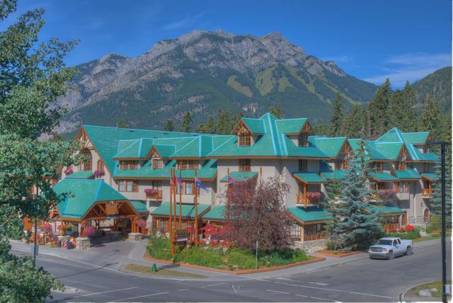 Banff caribou lodge spa banff alberta resort for Banff national park cabin rentals