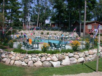 Outdoor pool at Isle O' Dreams Lodge.