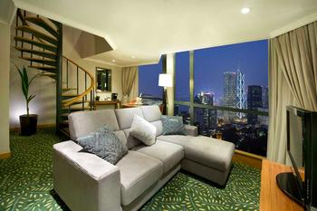 Guest room at Bishop Lei International House.
